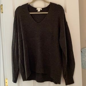 Brown H&M sweater size medium never worn